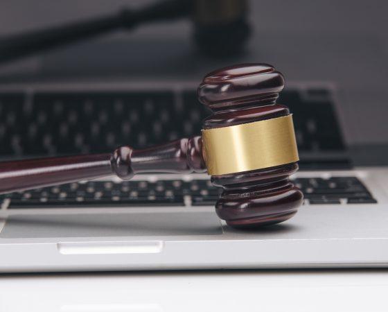 Législation et archives électroniques